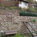 Treppe an Weinbergmauer