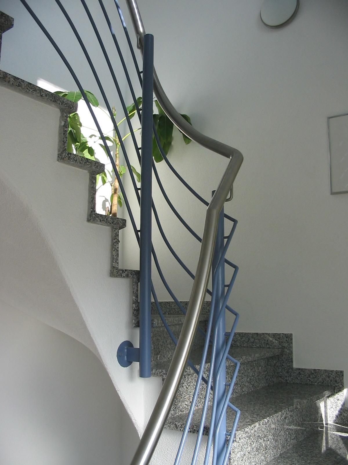 Anspruchsvoll Treppengeländer Verschönern Dekoration Von Gelaender_polzer1 Innentreppe Treppengeländer Mit Edelstahlhandlauf Kellerabgangsgeländer